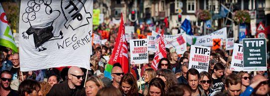 Foto einer Demo gegen TTIP in den Niederlande