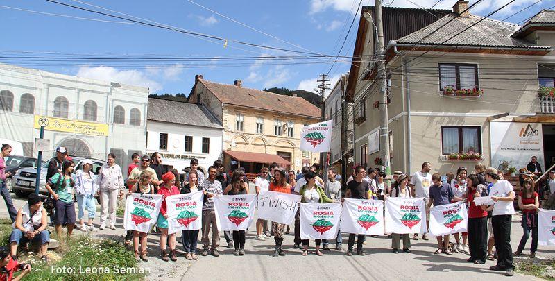 Protest in Rosia Montana in Rumänien Foto by Leona Semian